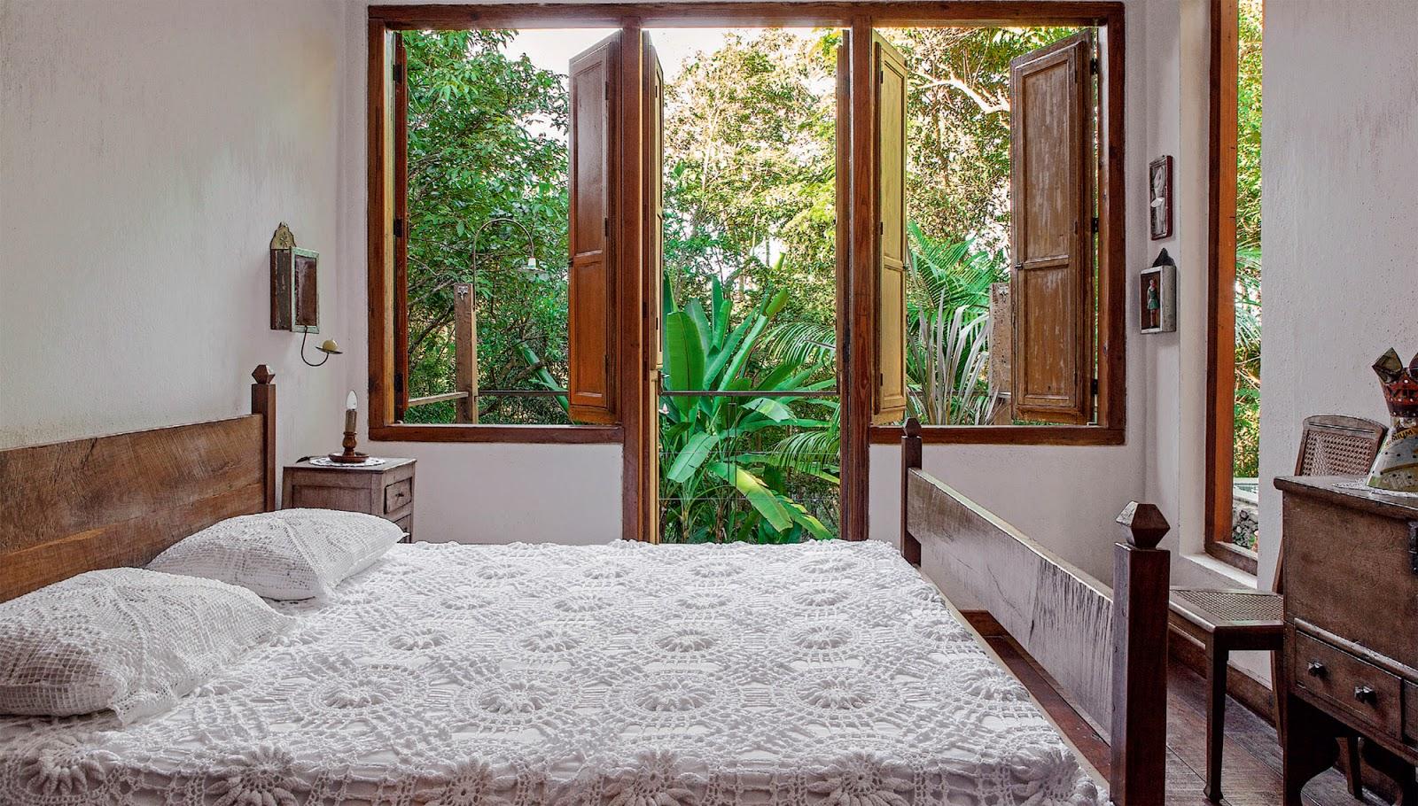 Evite os desníveis no apartamento como pequenos degraus mas se for  #69402E 1600 910